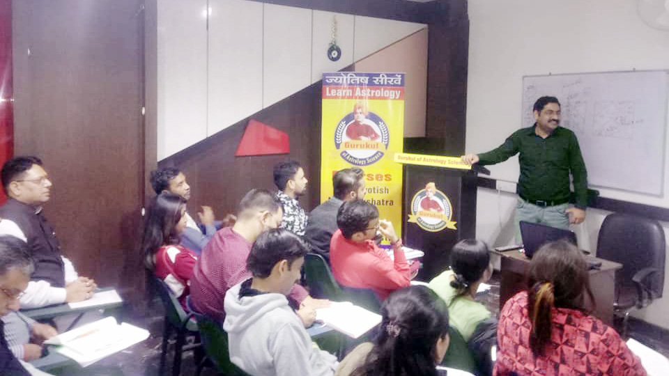 Lal Kitab Remedies Course, Lal Kitab Classes in Delhi India